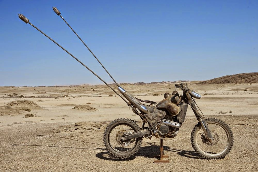 motory mad max fury road - motocykle postapo